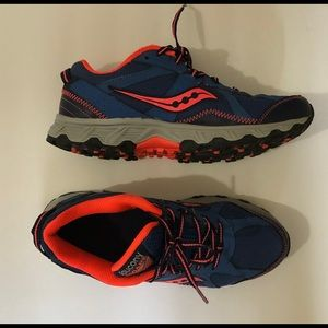 SAUCINY Escape TR Blue & Neon Orange Sneakers 9